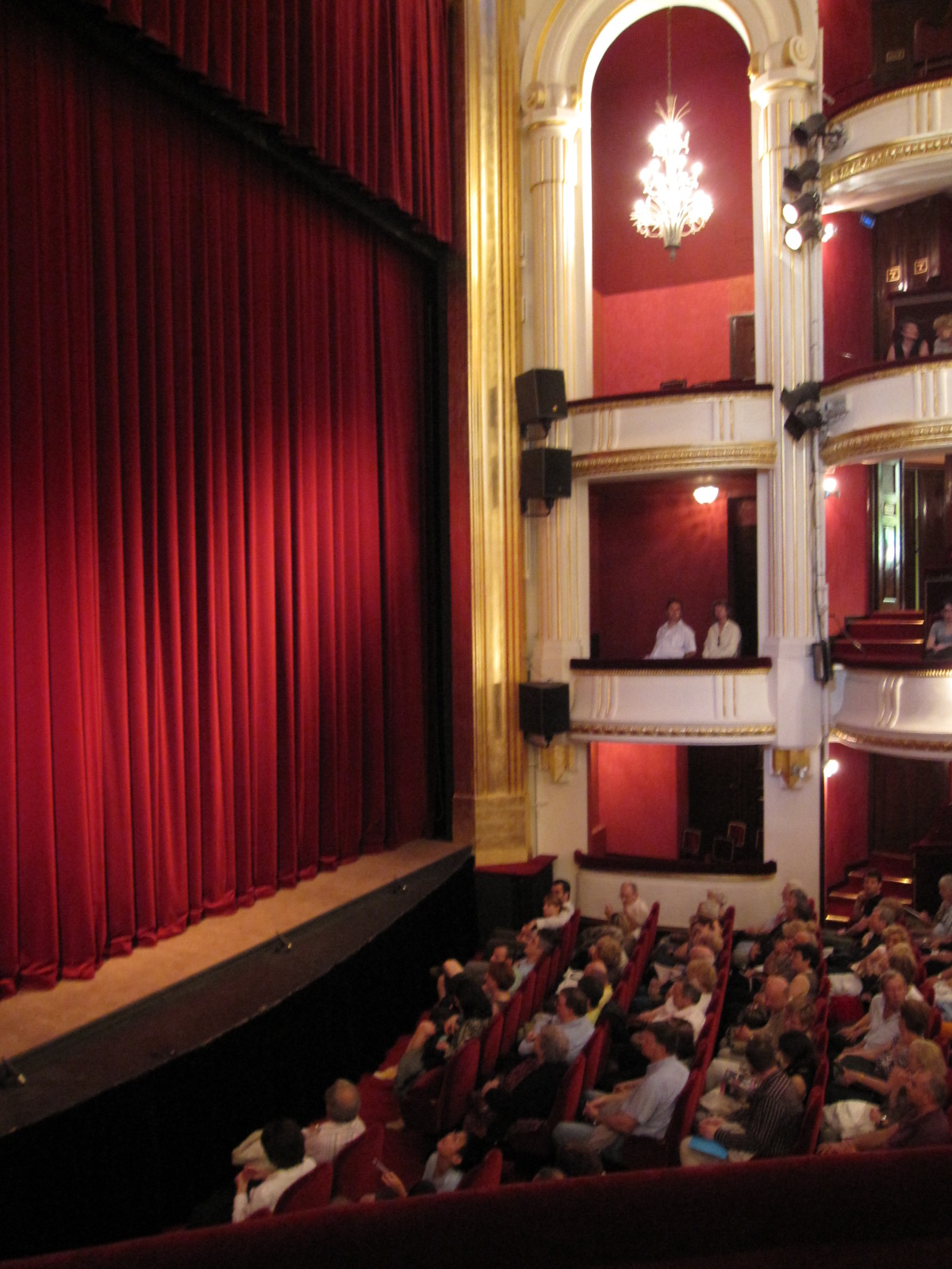Th tre panique au minist re d chire le blog de lili - Plan salle theatre porte saint martin ...