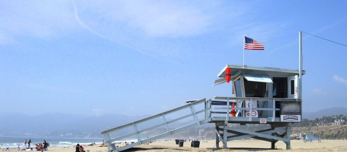 """Ambiance """"Alerte à Malibu"""" sur la plage de Santa Monica à Los Angeles"""