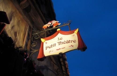 Enseigne Disneyland le petit theatre