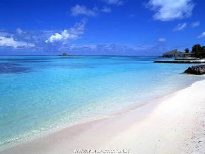 Plage-Guadeloupe-C-Victoria
