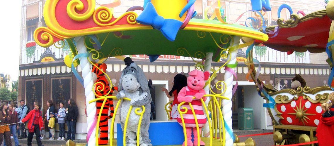 Les amis de Winnie lors de la parade à Disneyland