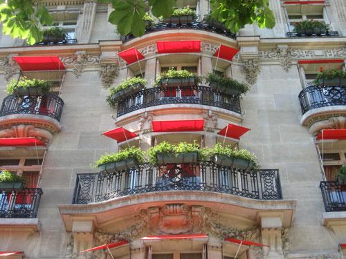 Paris-deux-fenetres-plaza-a.jpg
