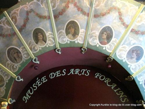 12-musee-arts-forains-copie-1.JPG