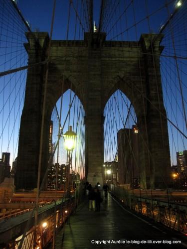 10-pont-de-brooklyn-de-nuit.jpg
