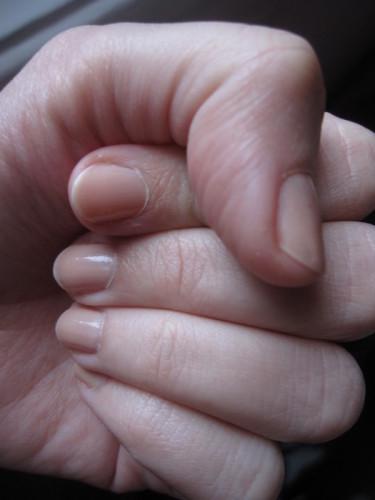 Pure-soie-7-vernis-revlon-nude.JPG