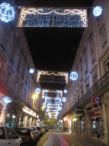 besancon-rue-de-nuit.JPG