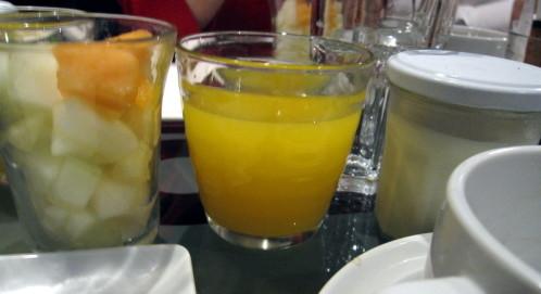 ozo-yaourt-jus-orange-salade-melons.JPG