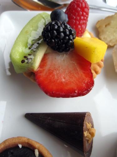 5-deux-etangs-assiette-sucree-details.JPG