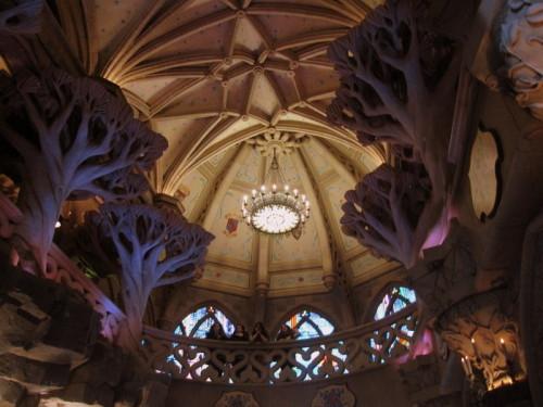 Disneyland sous le chateau de la belle au bois dormant