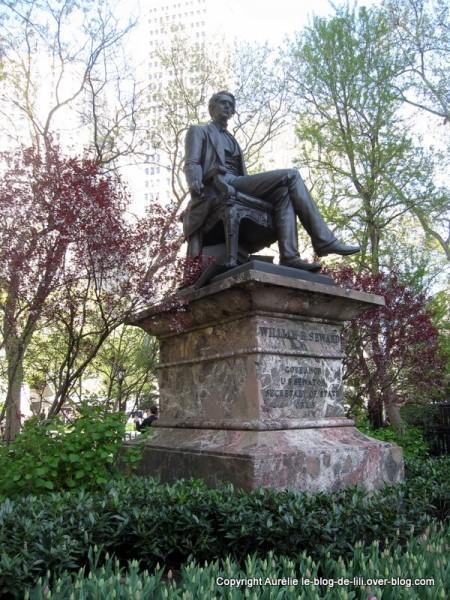 Madison square park 14 statue