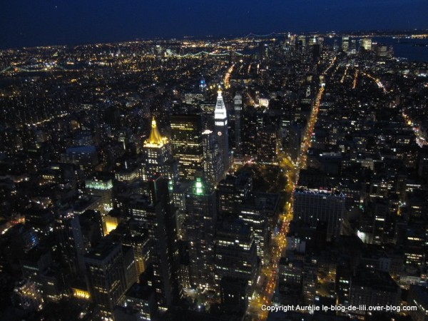 NY Empire state building 23 manhattan de nuit noire