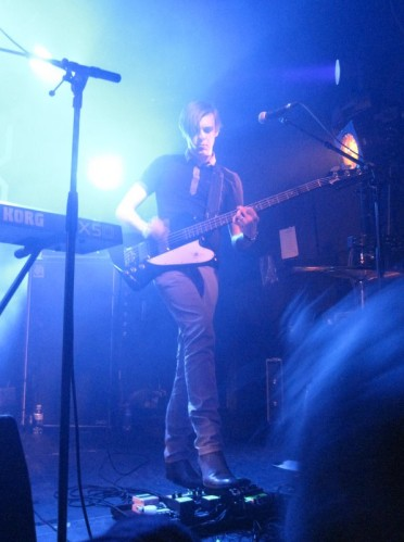 boxer-rebellion-bassiste-Nouveau-casino-2011.JPG