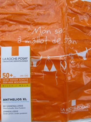 Laroche-Posay-creme-solaire-pochette-maillot-de-bain.JPG