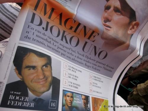 Demi-finales-Roland-Garros-2011-lecture-Federer.JPG