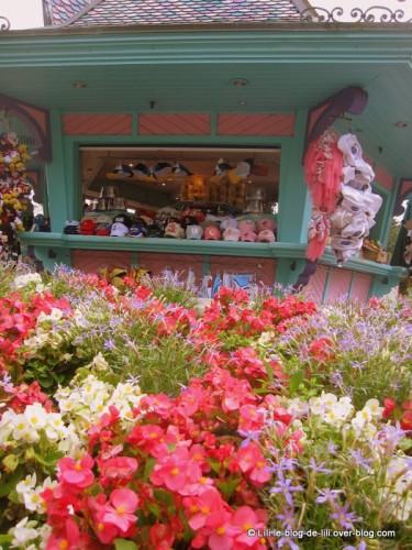 Disneyland-2-stand-souvenirs.JPG