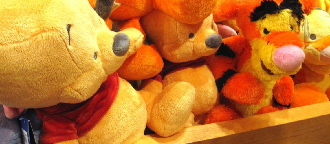 Les adorables peluches Winnie et Tigrou à Disneyland Paris