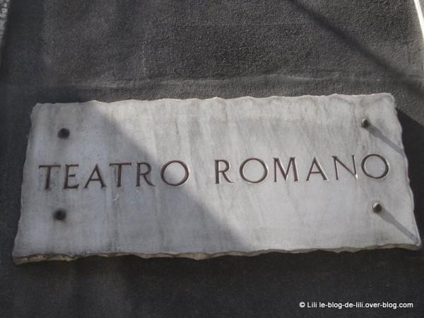 Sicile-14-teatro-romano-catane.JPG