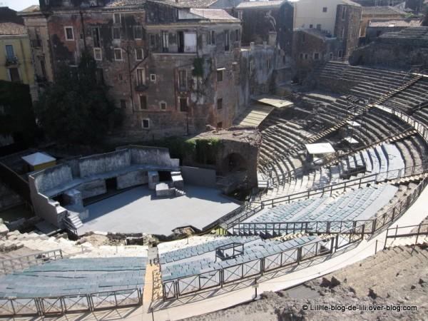 Sicile-15-teatro-romano-catane.JPG