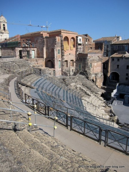 Sicile-16-teatro-romano-catane.JPG