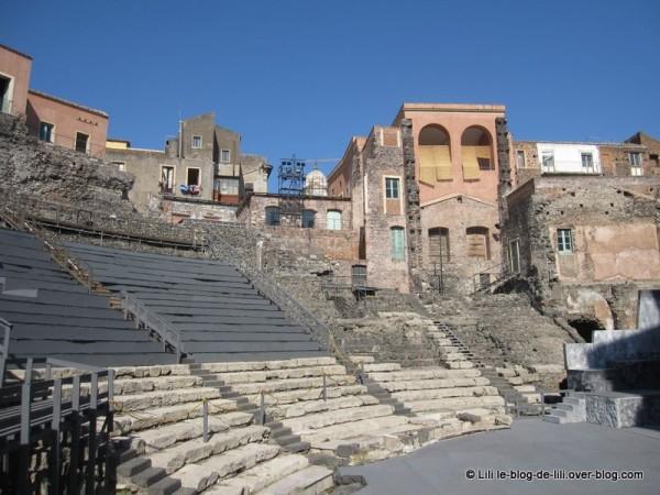 Sicile-17-teatro-romano-catane.JPG