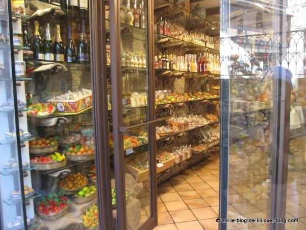 Sicile-Taormine-23-pasta-di-mandorla.JPG