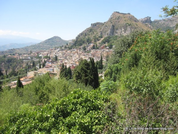 Sicile-Taormine-9-vue-ville.JPG