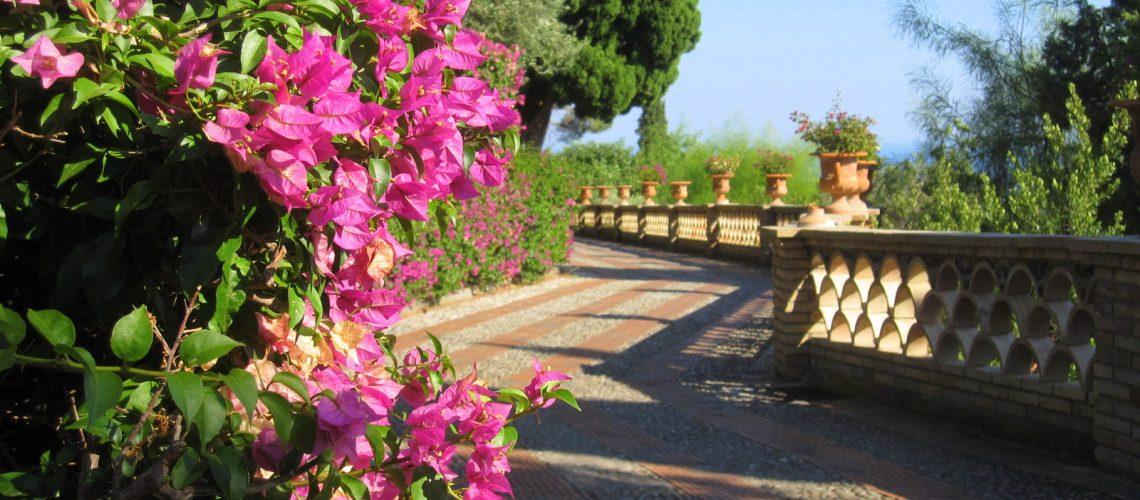 Promenade au giardino pubblico de Taormine, Sicile