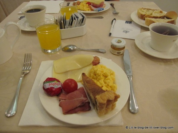 Sicile-Una-hotel-palace-buffet-1.JPG