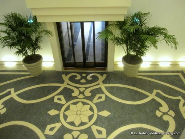 Sicile-Una-hotel-palace-hall.JPG