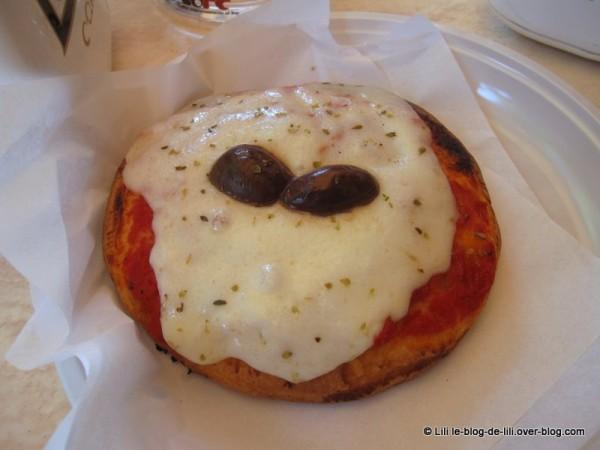 Sicile-pizza.JPG