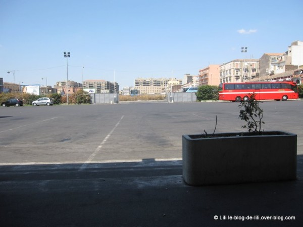 Sicile-terminal-bus.JPG