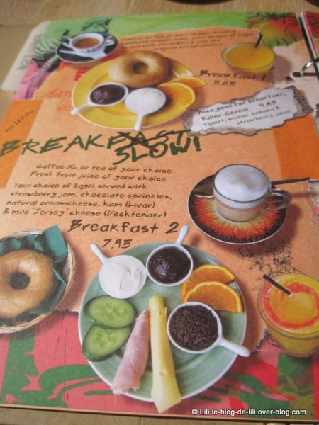 Amsterdam-Bagels-and-beans-carte-breakfast.JPG