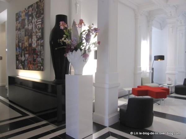 Eden-Manor-Amsterdam-Hotel-2-entree.JPG