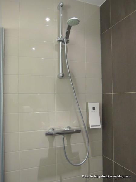 Eden-Manor-Amsterdam-Hotel-7-salle-de-bain.JPG