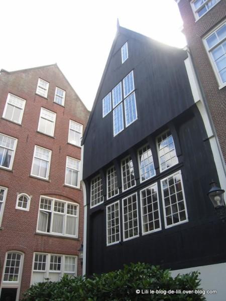 Amsterdam-beguinage-10.JPG