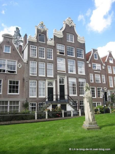 Amsterdam-beguinage-9.JPG
