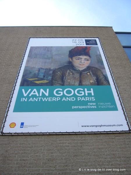 Amsterdam-musee-Van-Gogh.JPG