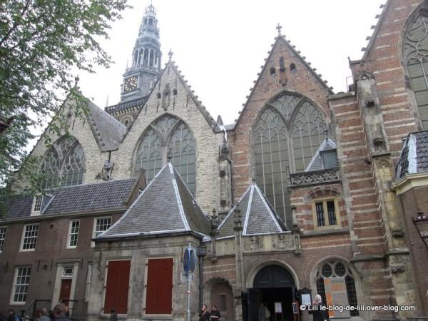 Amsterdam-oude-kerk-1.JPG
