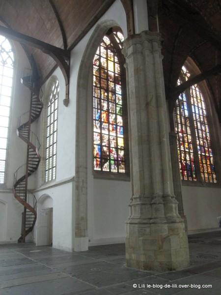 Amsterdam-oude-kerk-2.JPG