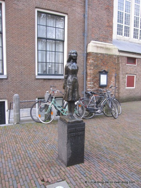 Amsterdam-statue-anne-franck.JPG