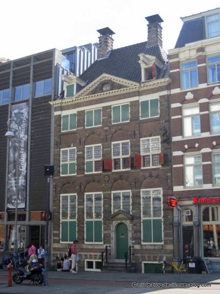 Amsterdam-vue-sur-Rembrendthuis.JPG