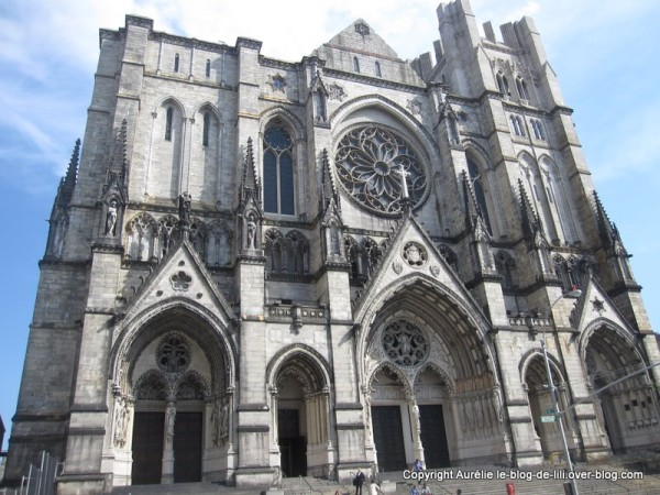 cathedrale-street-john-univresite-columbia.jpg