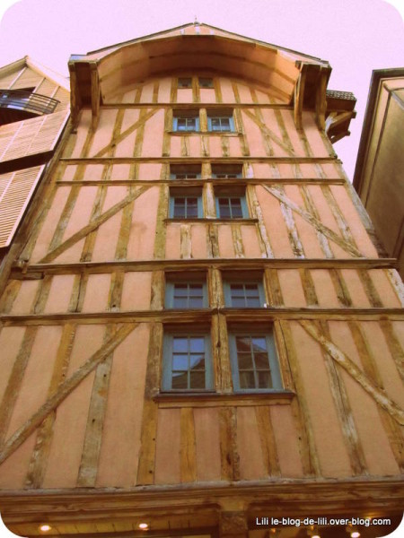 facade-boutique-free-troyes.JPG
