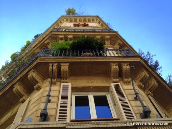 promenade-parisienne-rue-du-bac.JPG