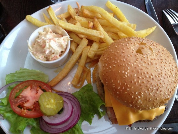 PDG-central-park-bacon-burger-1.JPG