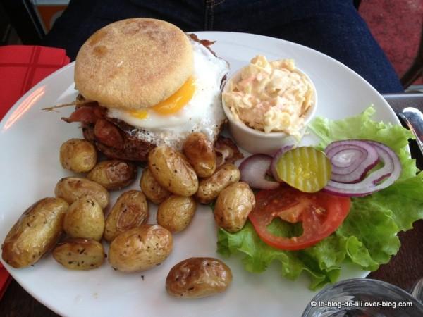 PDG-central-park-english-burger-2.JPG