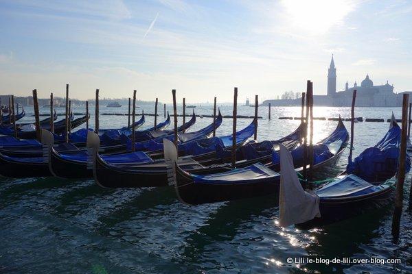 Venise-gondoles.JPG