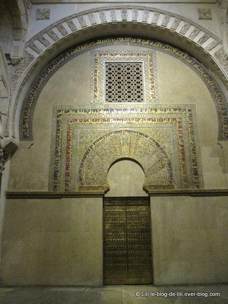 La grande mosquée de Cordoue donne envie de visiter des destinations orientales...
