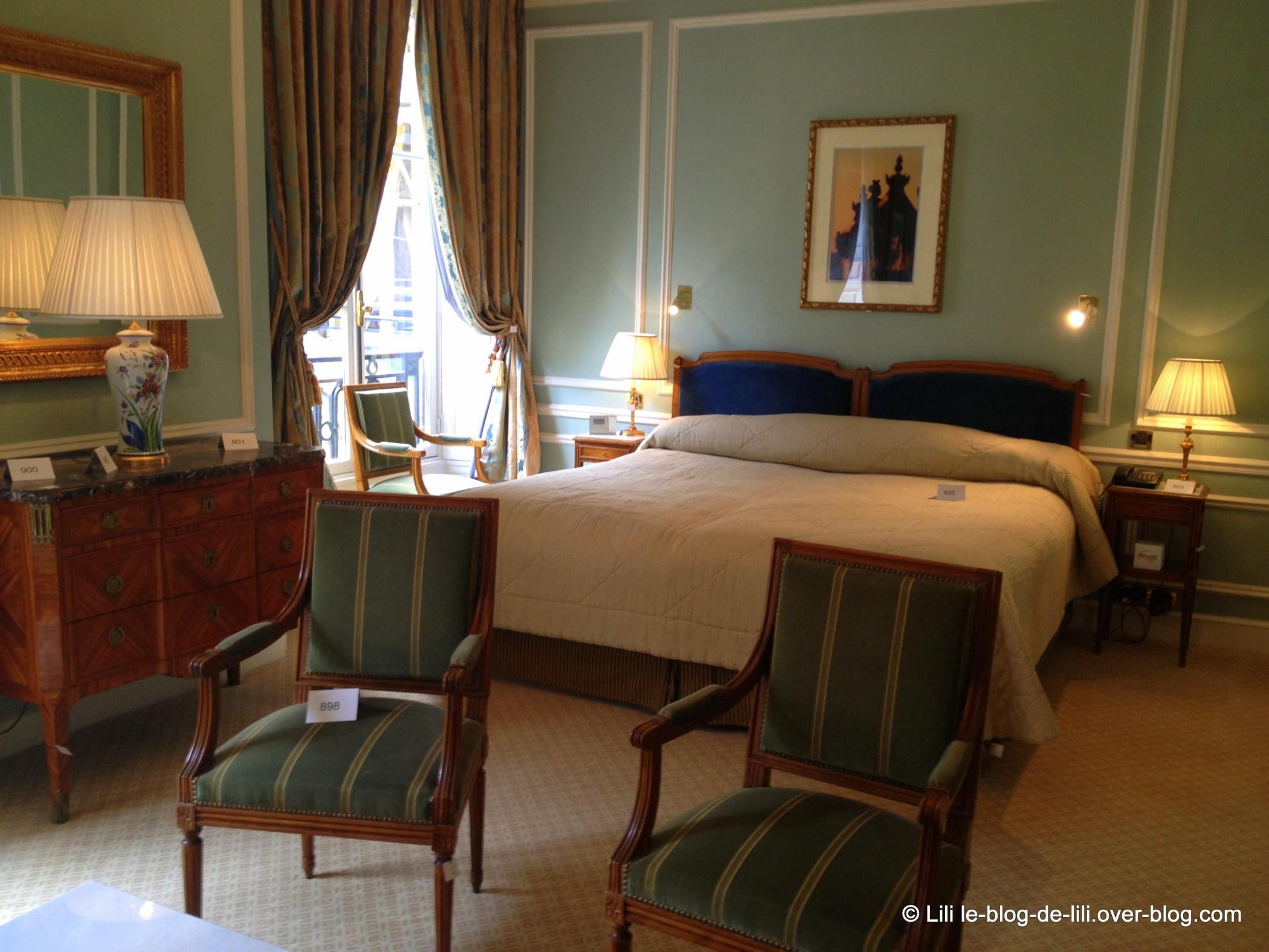 Visite de l'hôtel de Crillon : vente aux enchères avant travaux