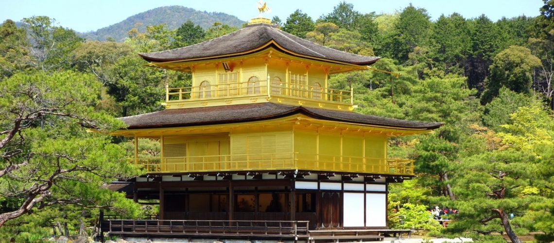 Le Pavillon d'Or situé à Kyoto, Japon